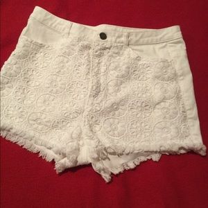 DIVIDED Jeans Style Shorts With Lace Front